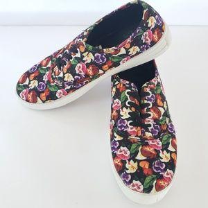 Disney's Alice in Wonderland sz7 flowers sneakers